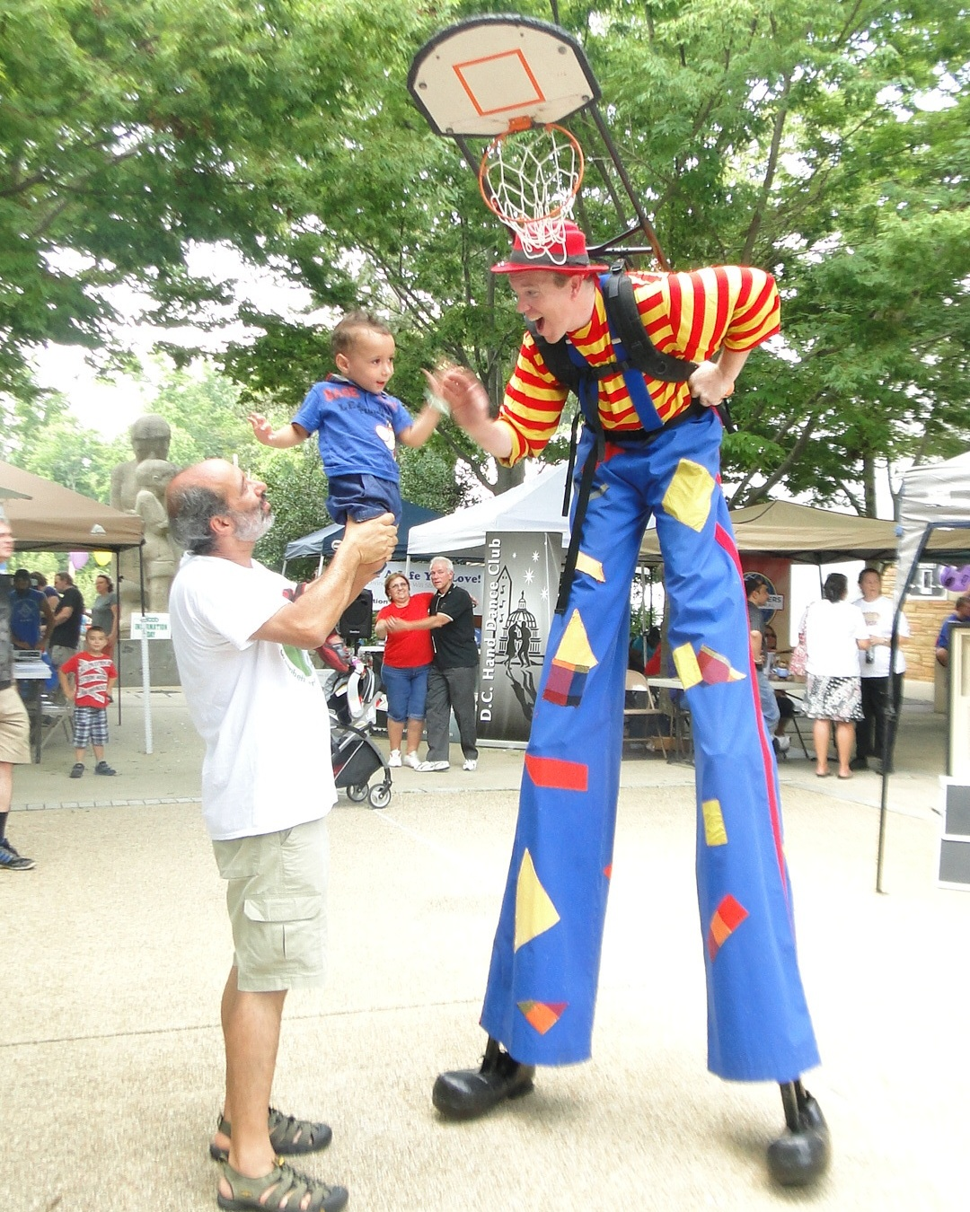 Stilt walking entertainer