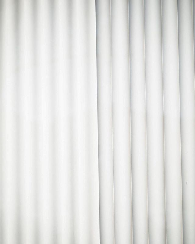 16/365  #365daychallenge is a challenge. I may have been gone for three days but I'm back on track. Are we almost three weeks into 2019 already?  #365challenge #365photoproject #minimalism #white #lines #broadmag #gominimalmag #minimalmonday #minimalzine #window #blinds #leviallen #habitsofexcellence