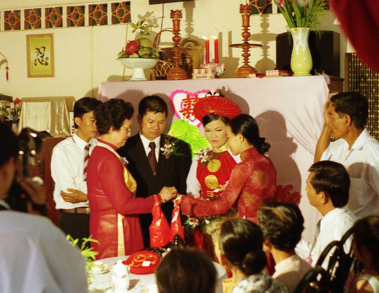 A Vietnamese country wedding. (Photo: Mike Fernwood.CC BY SA 2.0)