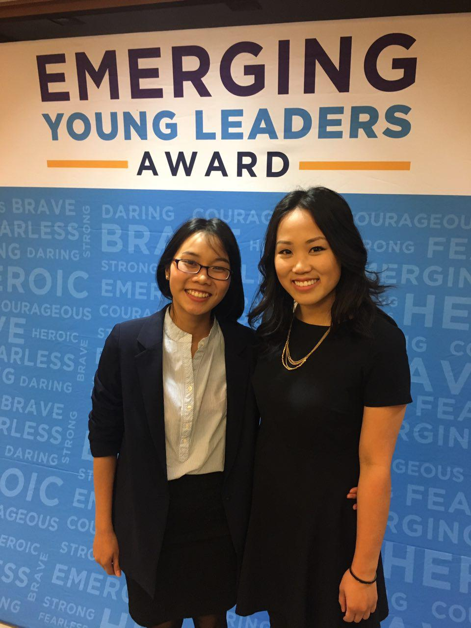 Quyên Lưu (left), of Todocabi.vn, is honored as one of ten global emerging young leaders by the U.S. State Department on May 4, 2017.(Photo: Loa/Nhựt Phó)