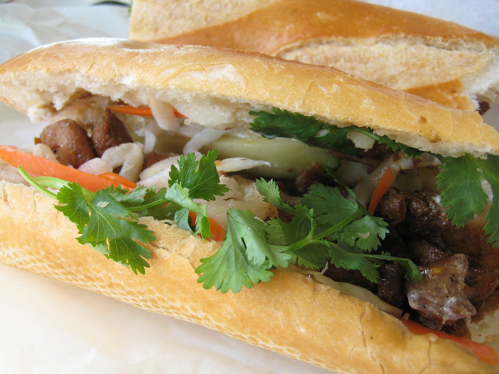 A closer look at the layers of the bánh mì. (Photo:  TheDeliciousLife / CC by SA 2.0)