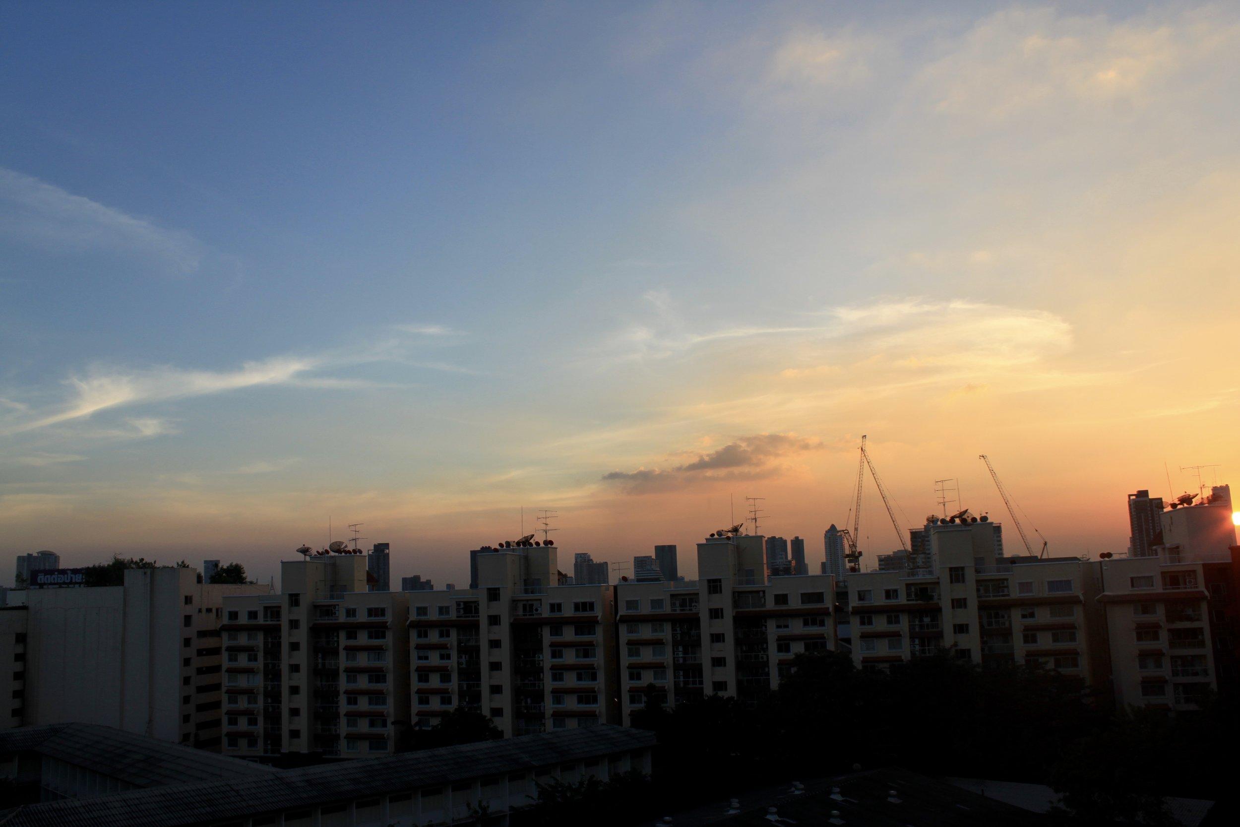 Sunset, Nonsi Residence Soi Nawin