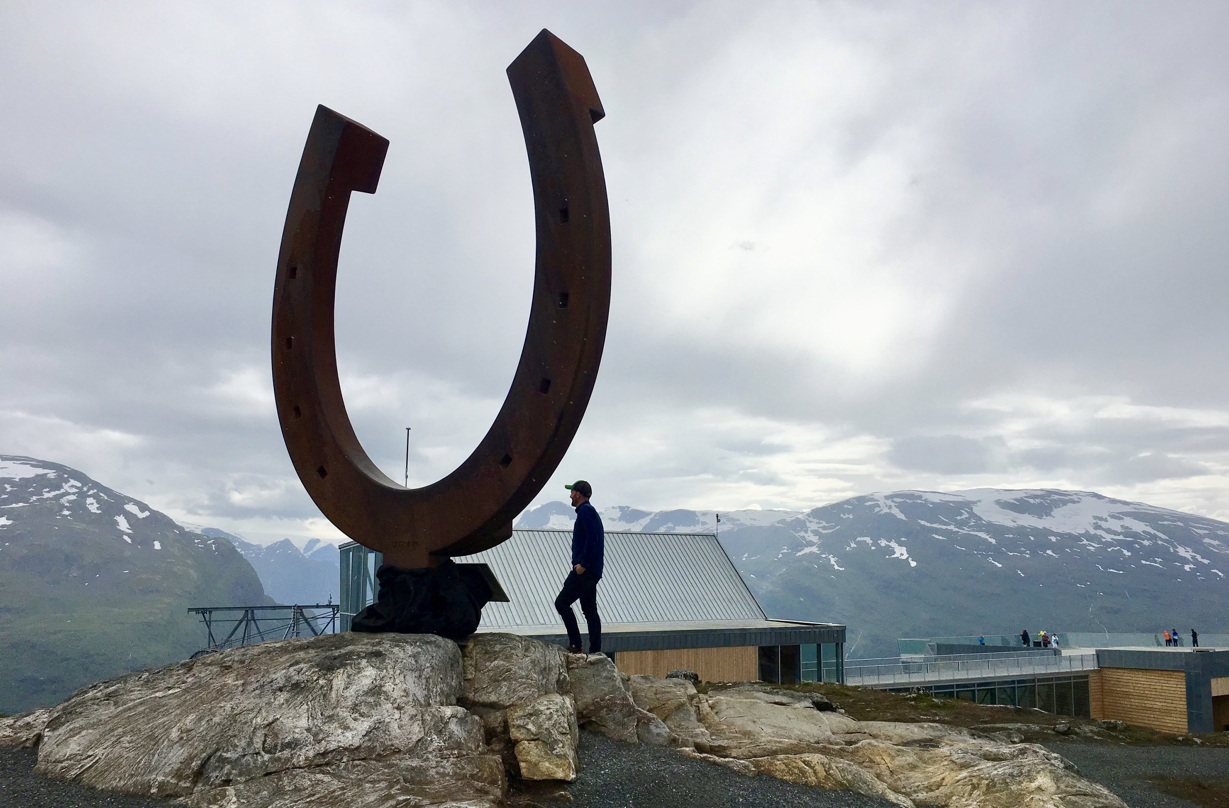Giant horse shoe at Hoven