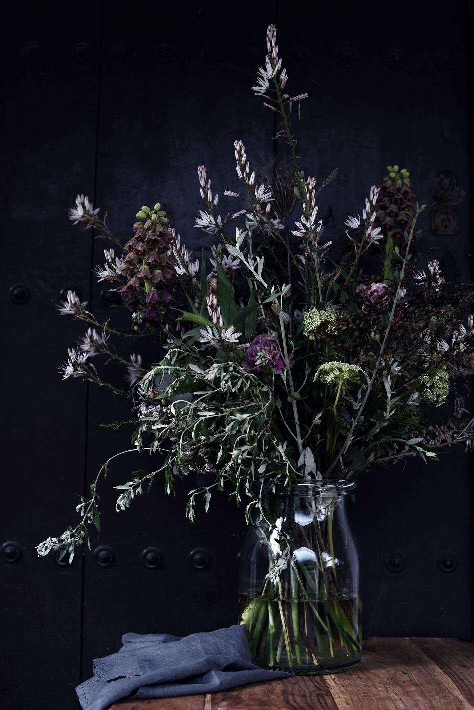 Casares_DianaLovring_Diverse_002_flowers1web.jpg