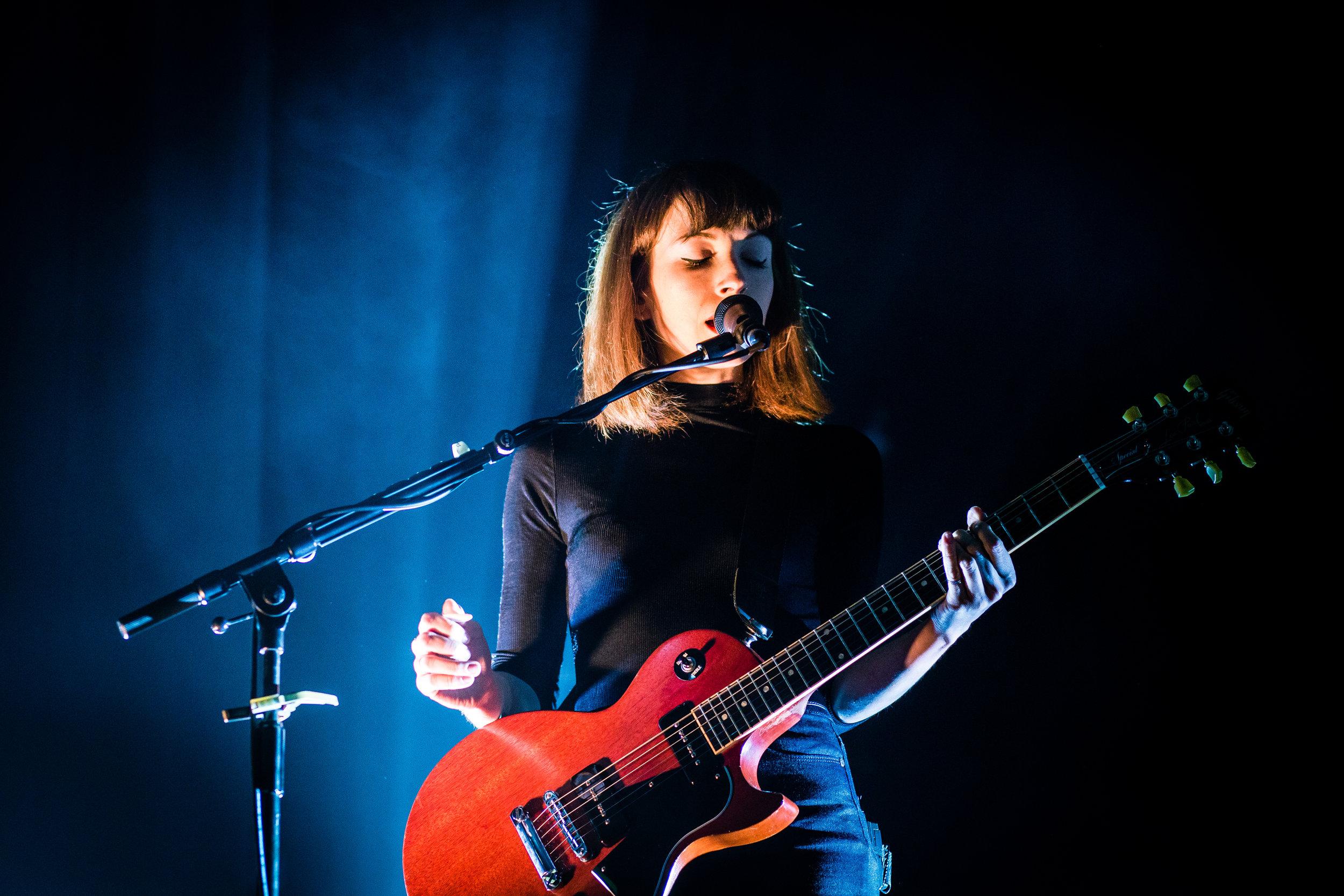 Daughter @ O2 Academy, Glasgow // photograph by Calum McMillan