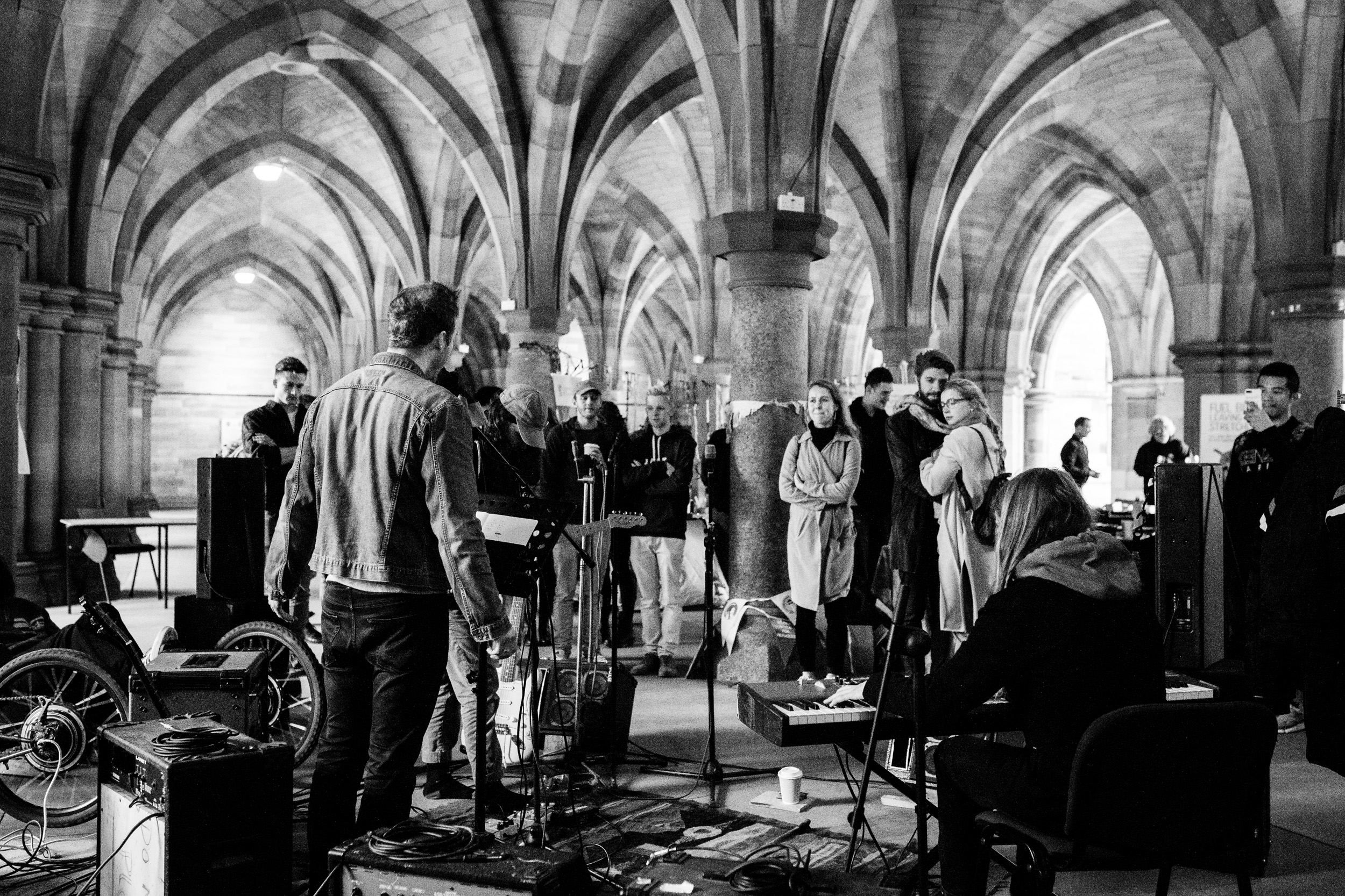 Luthia @ The University of Glasgow Cloisters // photograph by Calum McMillan