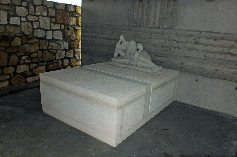 gaupenraub_mausoleum-04_sarkophag.jpg