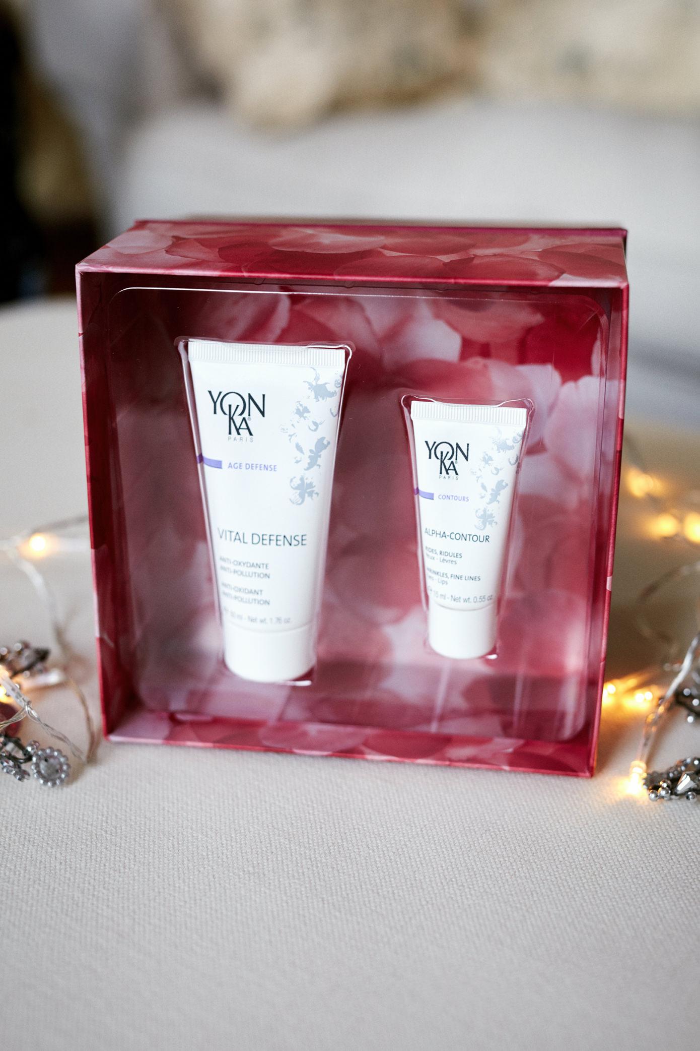 Yonka Christmas Gift Holly White