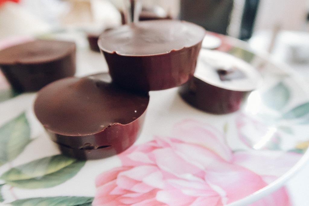 How to make Vegan Salted Caramel Chocolate Cups