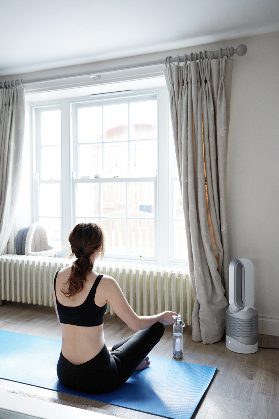 Holly white, Dryson at home, hot cool, yoga