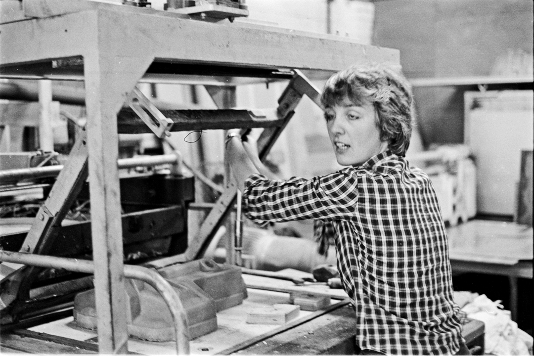 - Andrew`s sister Helen, was press ganged into working when on her holidays from California.Vac Forming Back Packs at Shepperton was a change from an easy life in the Sunshine State.