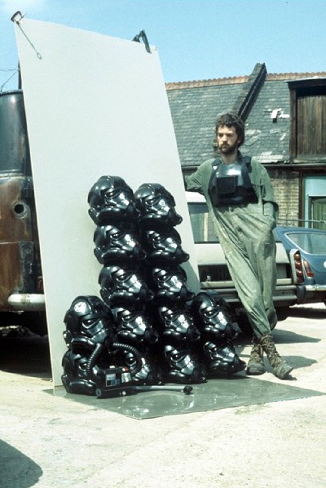 Star Wars complete. - It was fortuitous that Andrew just about managed to get every character finished and on set.Check out the burnt out van and roof tiles blown off the surrounding buildings.Andrew was not popular with the neighbours, after all, 76 The Green, was only a sweet shop.