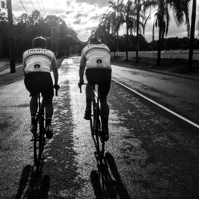 A return to local criterium racing today and a great showing from the Noosa Trente+ crew. A wet track meant perhaps not the best day for a white kit !!! Thanks to SCCC for organizing.