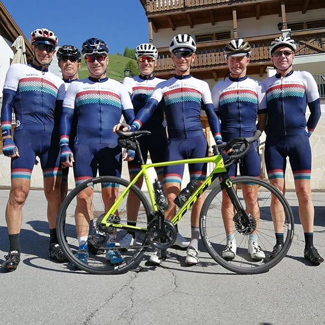 GIRO SPECIALE: A custom kit design for a special occasion. Inspired by the classic jerseys of yesteryears, and fitting for such a special tour of Italy this bunch are undertaking. Happy Trente X2 Birthday Lawrie ! Looking sharp in the Dolomites 🙌🤘👏