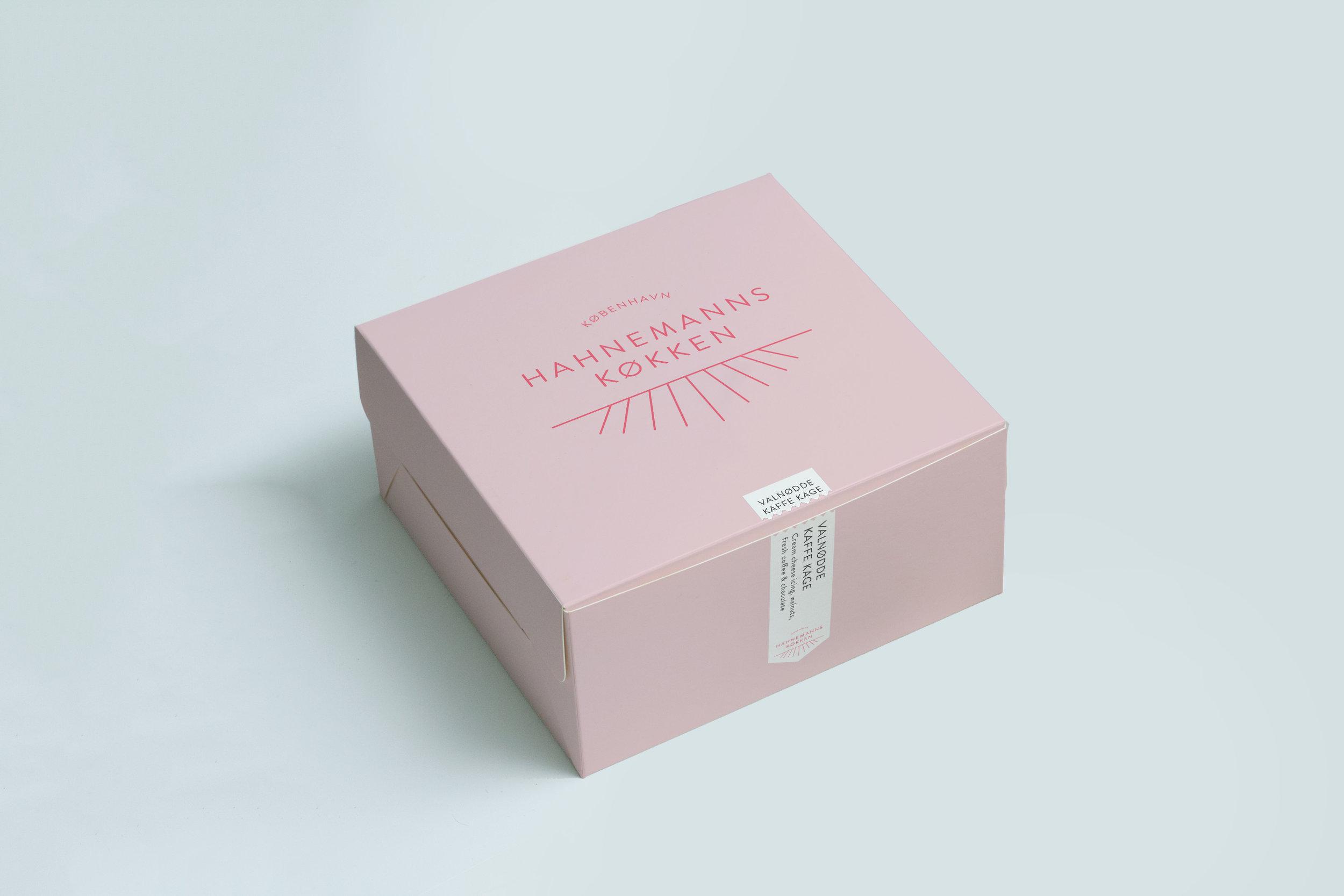 Cake Box Mockup 1.jpg