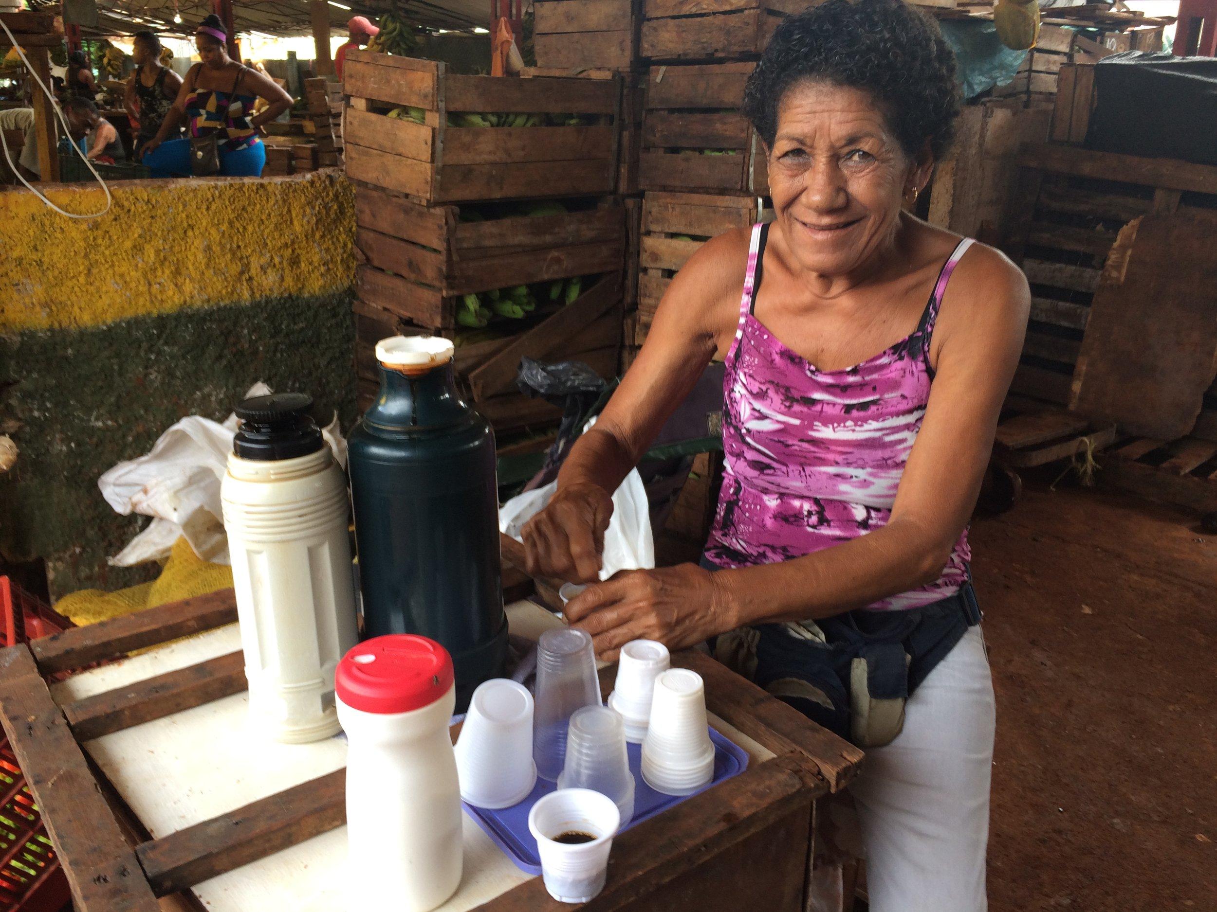Cuban espresso for 1 Cuban peso (5 cents) in rare plastic cups!