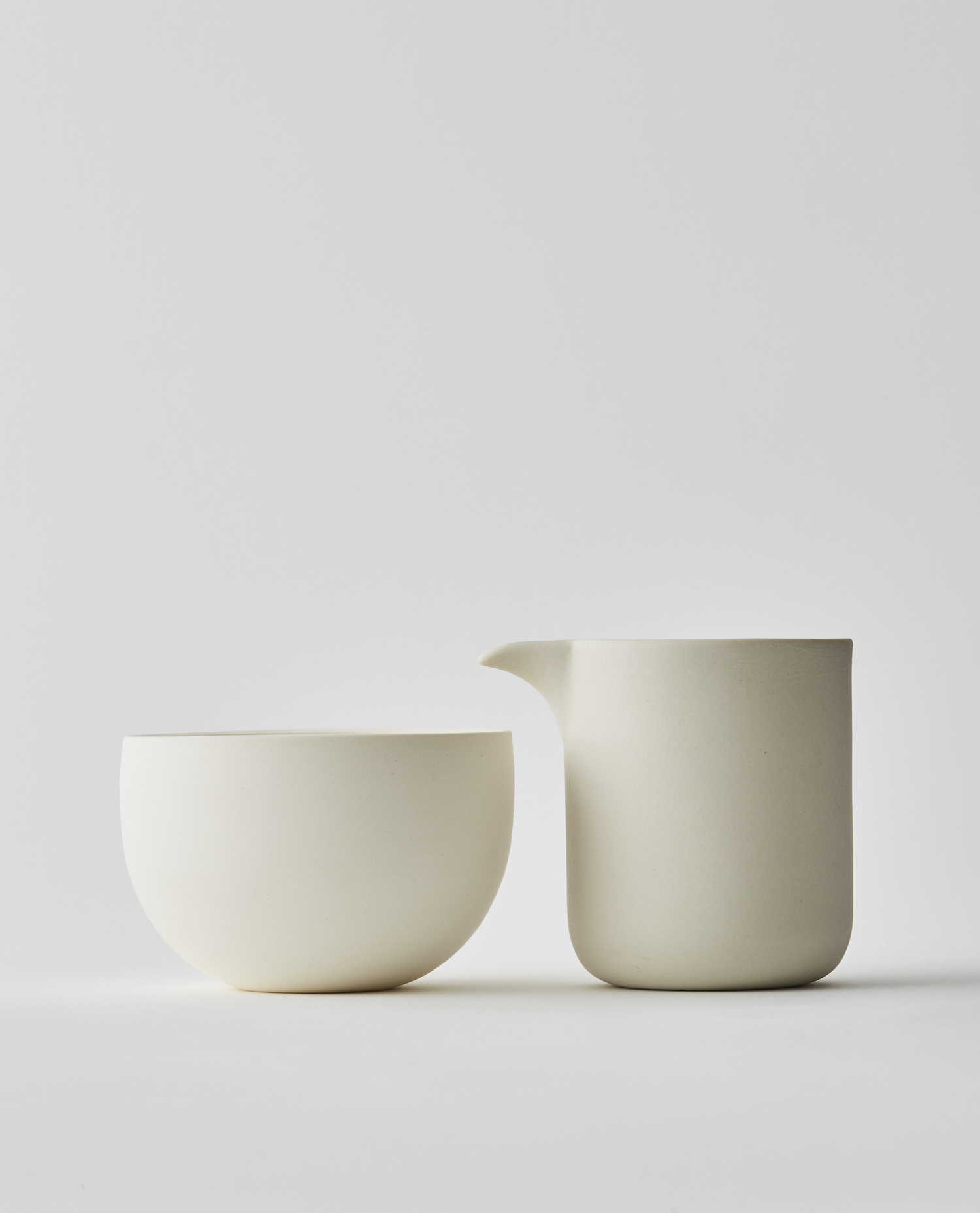 Yeshen Venema Simple-Shape bowl and pourer.jpg