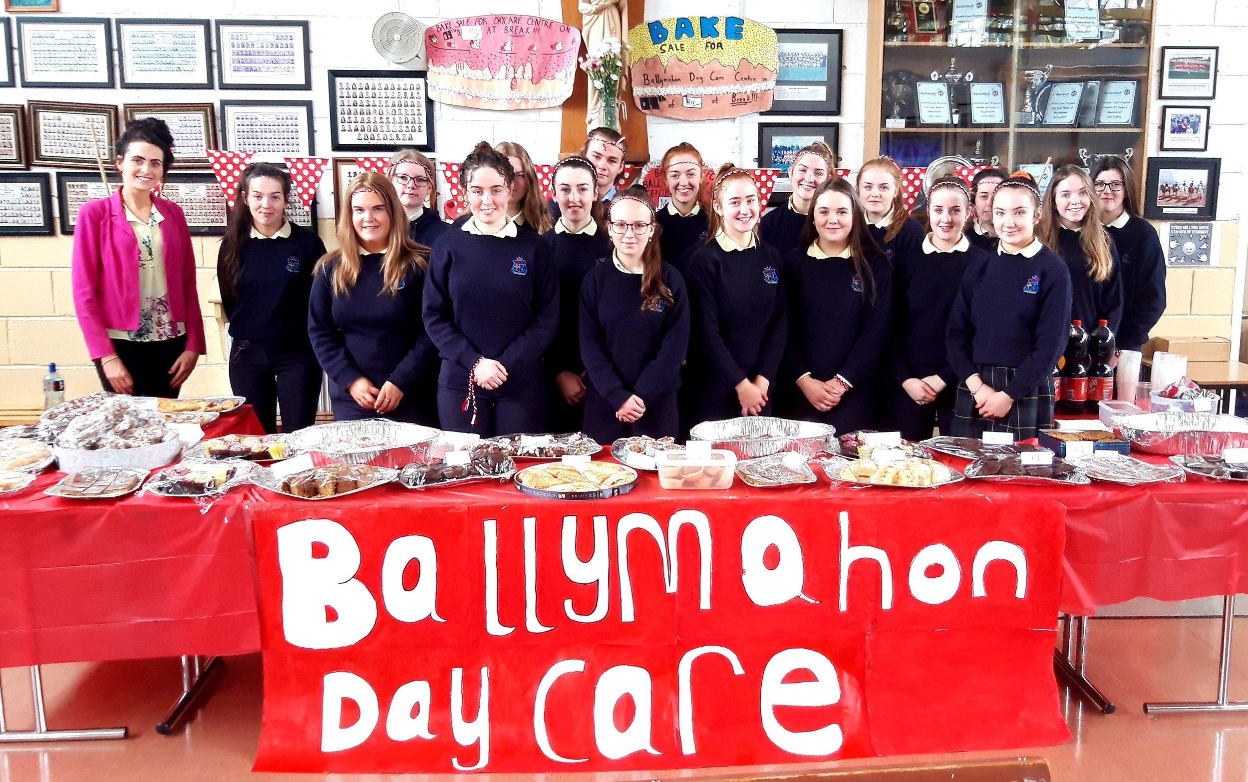 Ballymahon Day Care centre collection for Mini Marathon