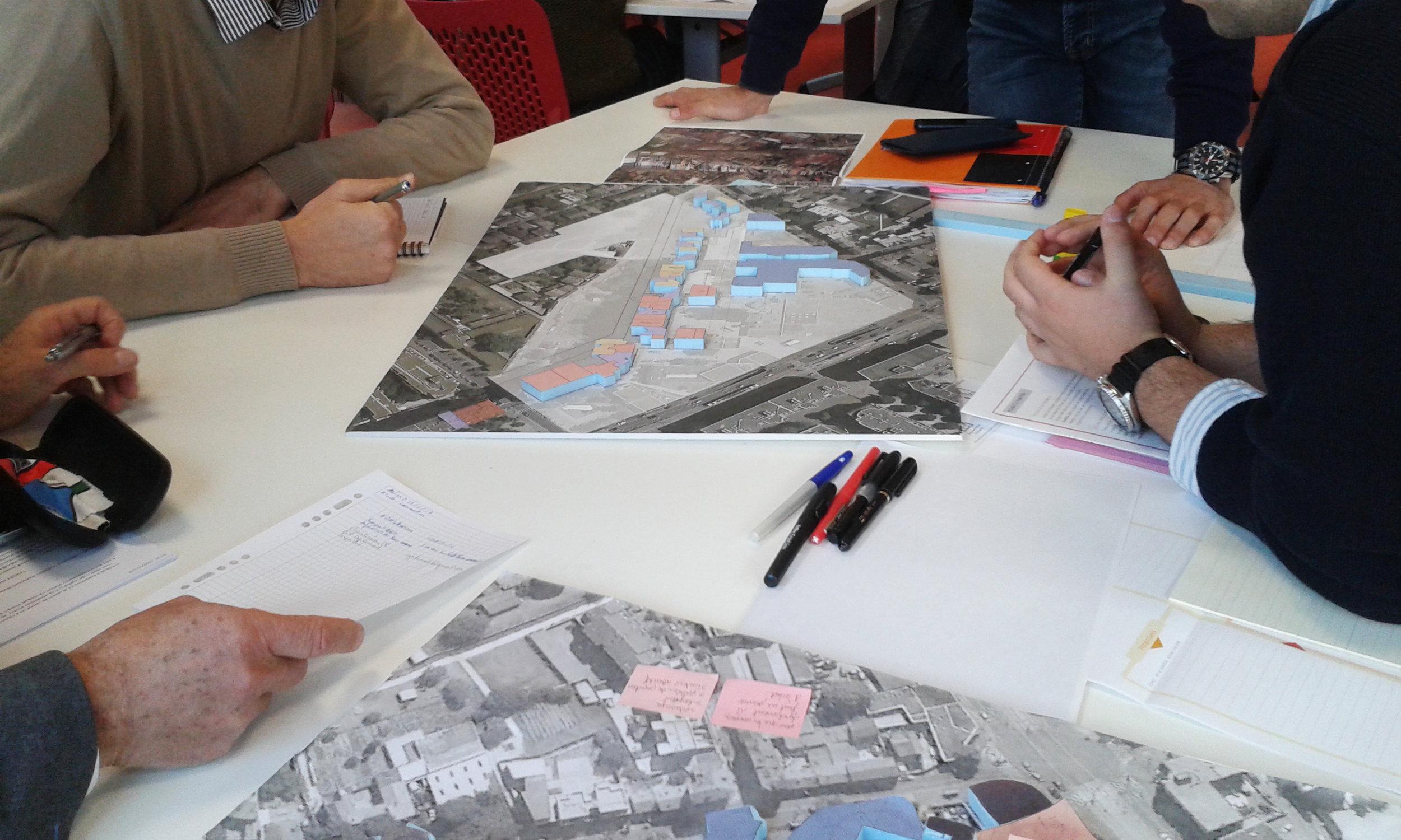 Atelier de réflexion collective autour d'un projet de réaménagement urbain à La Courneuve, 93.