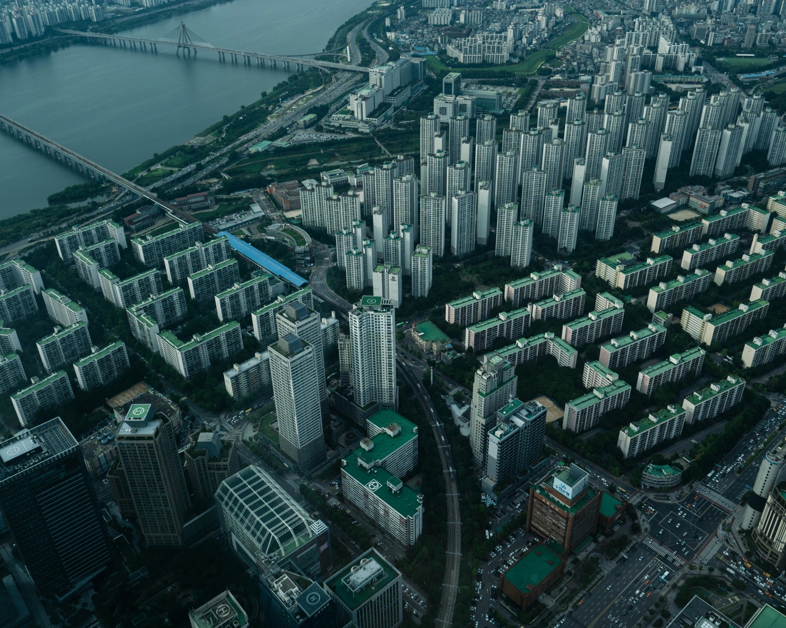 View from the 123rd floor of South Korea's tallest building