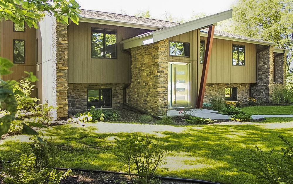 1970's Asymmetrically Balanced Home -   COTY AWARD 2016