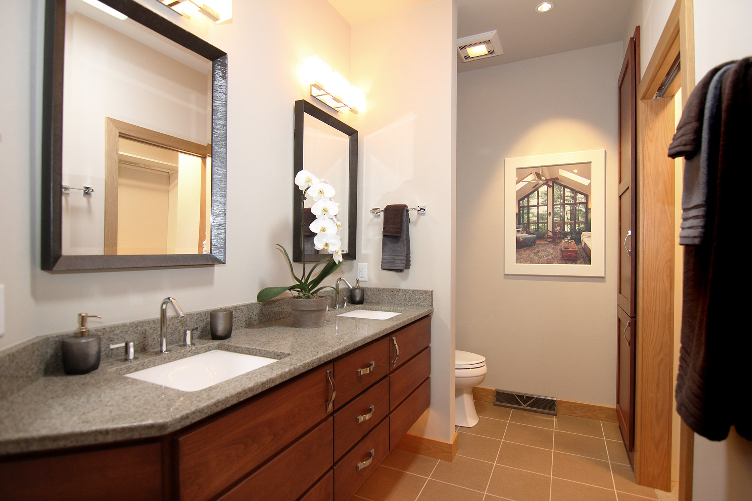 Easy to clean bathroom design