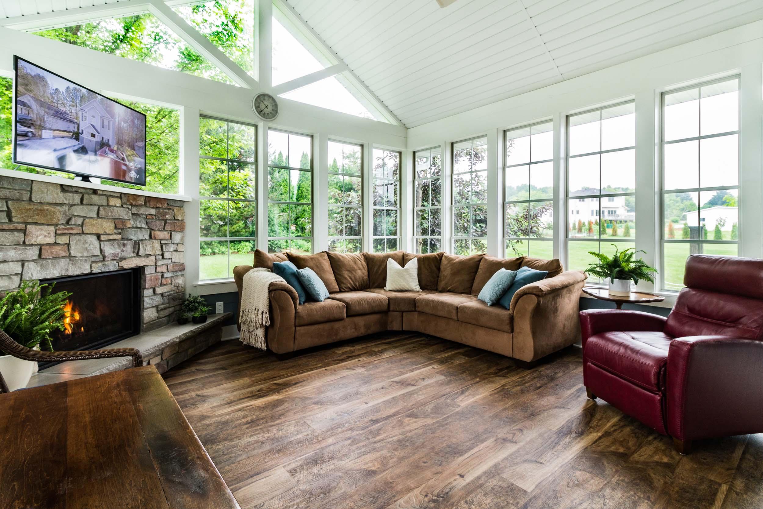 This Three Season Porch Has Styleline Riviera 4-Panel Windows