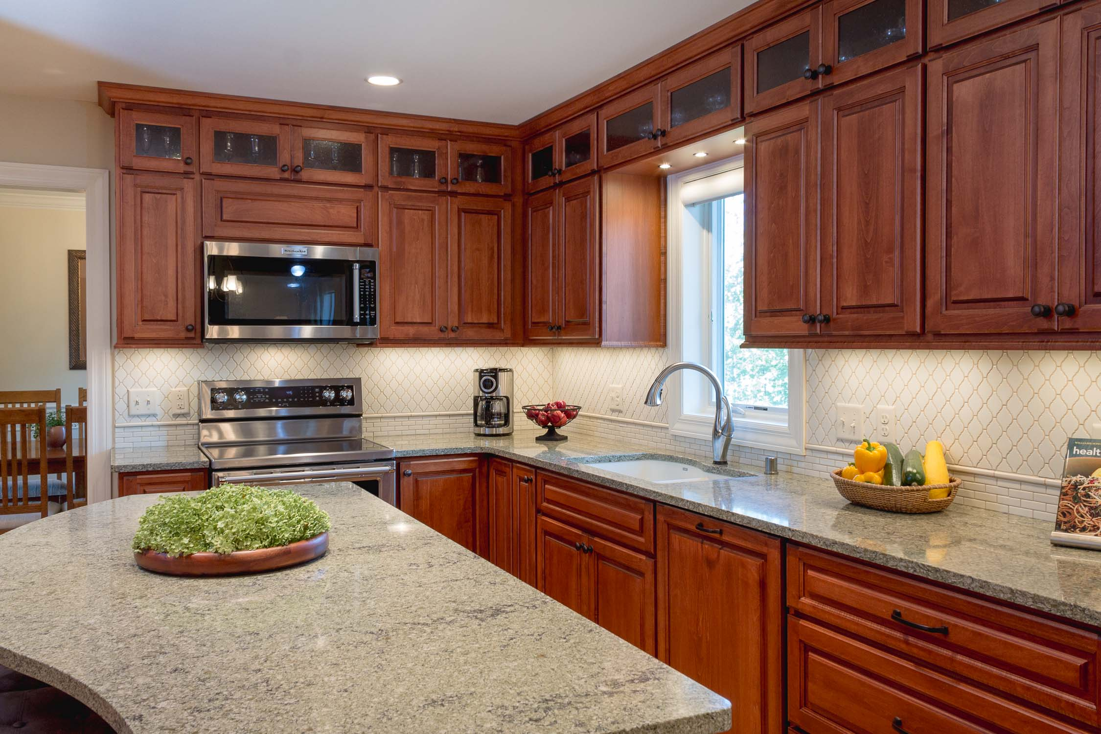 This kitchen remodeling is a NARI Madison CotY Award winning project.