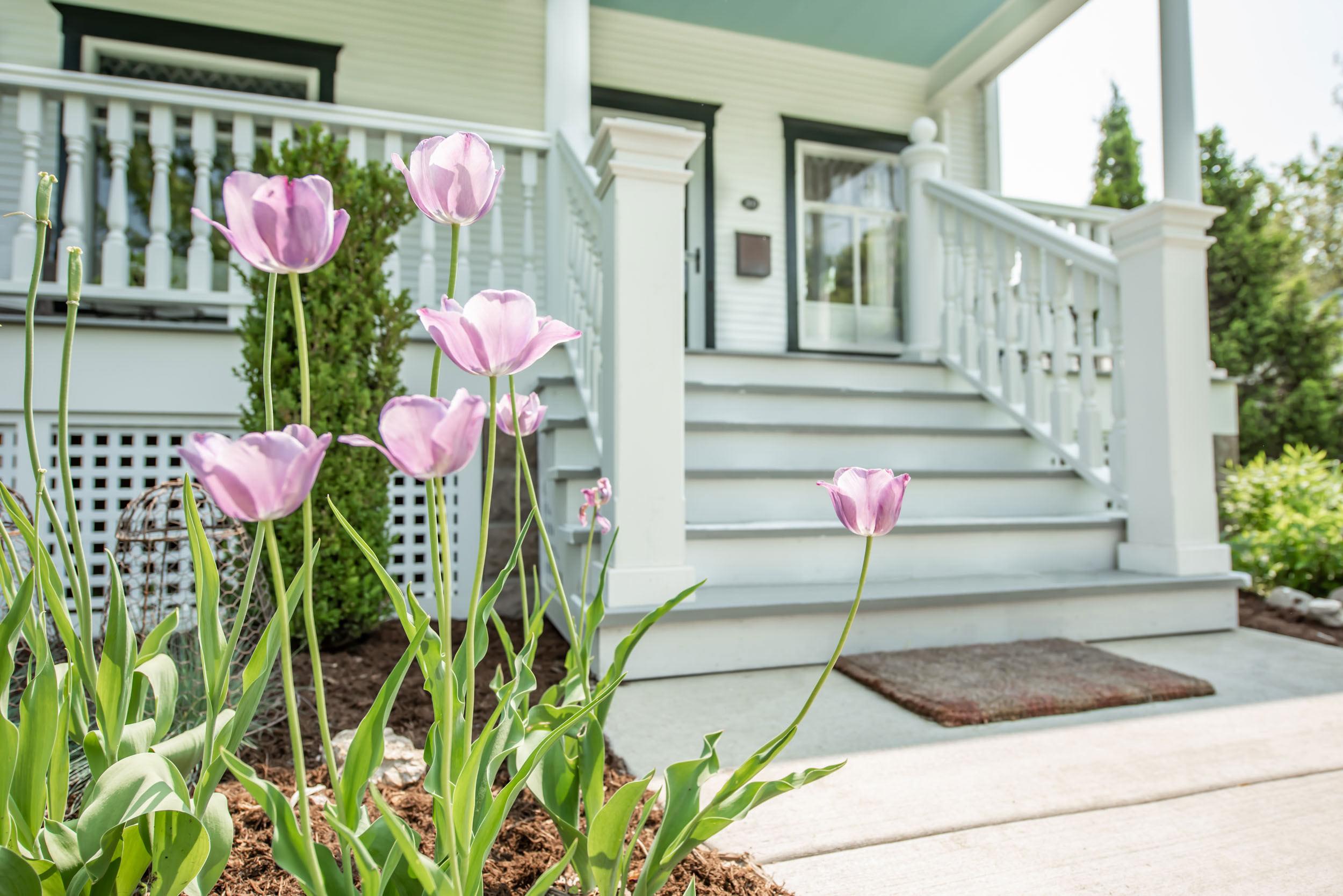 Madison-Wisconsin-victorian-porch-recreation.jpg