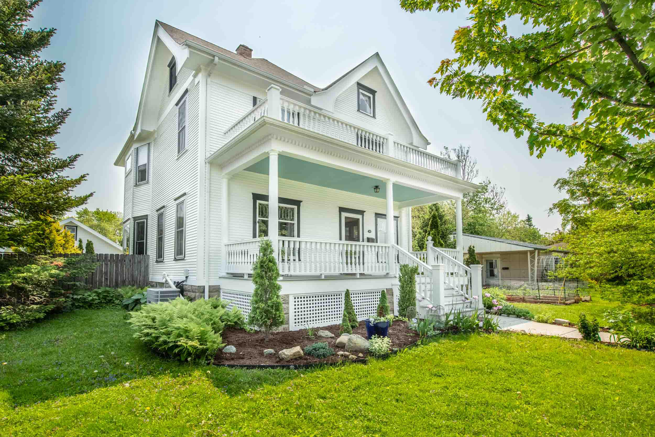 victorian-home-remodeled-porch-madison-wis.jpg