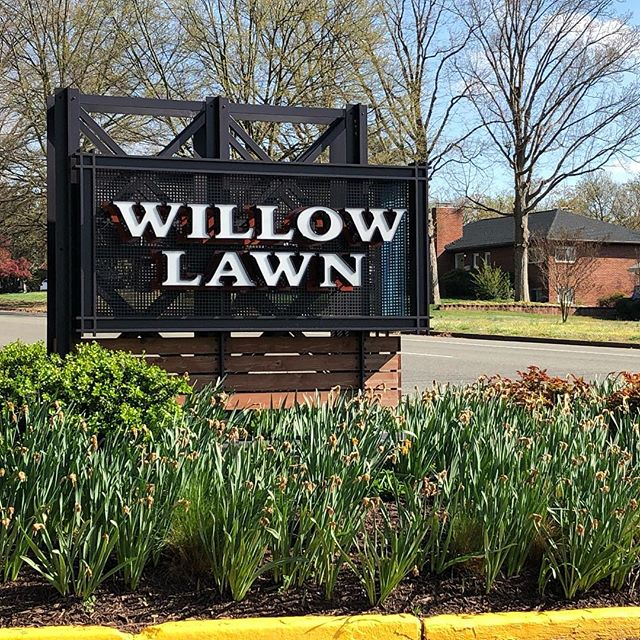 We had a chance to visit #Richmond #VA where we completed the #branding and #wayfindingsignage for Willow Lawn. @willow_lawn #BCTGraphics #EGD #environmentalgraphics #graphicdesign