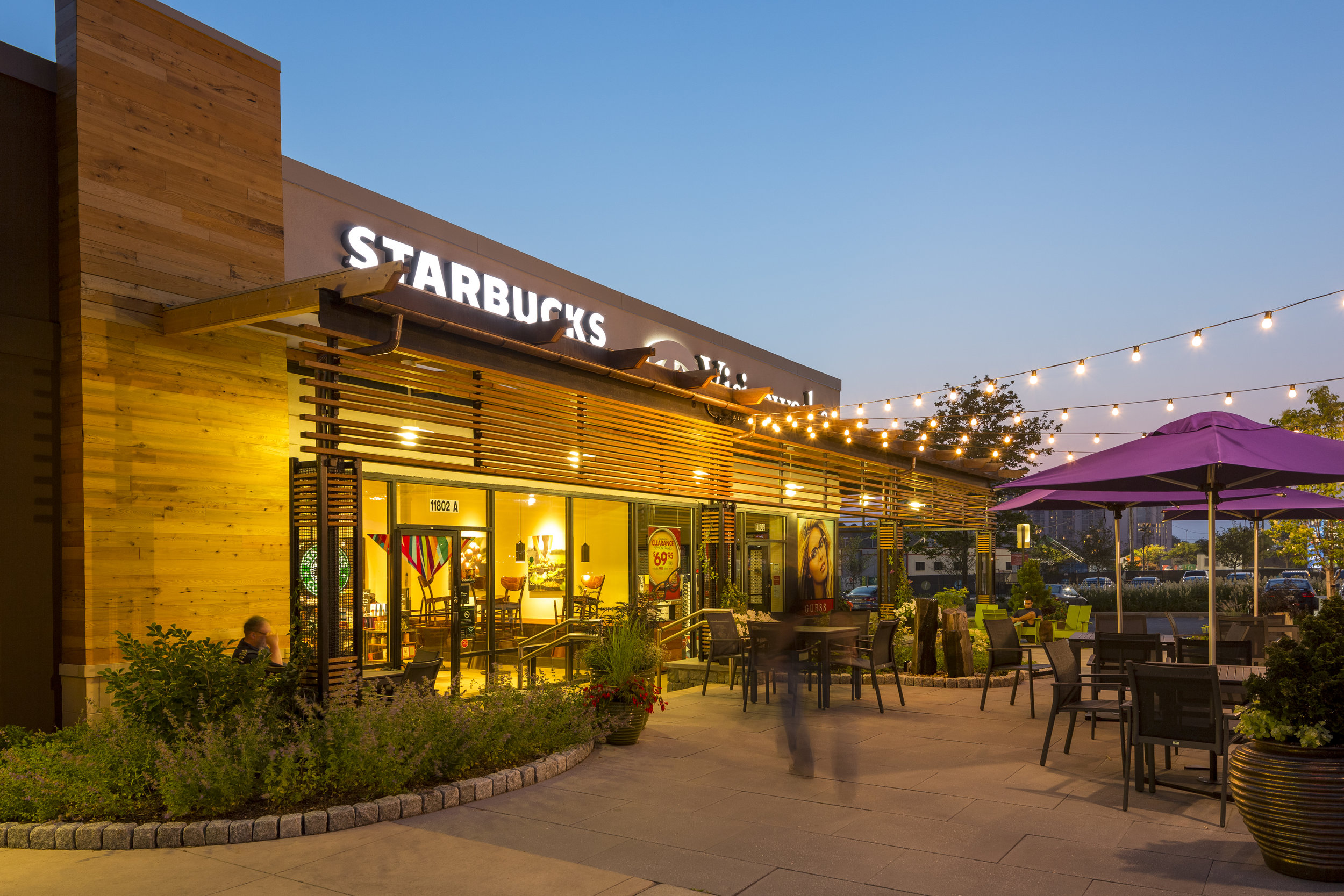 PIKEROSE_Starbucks 04-HY.jpg