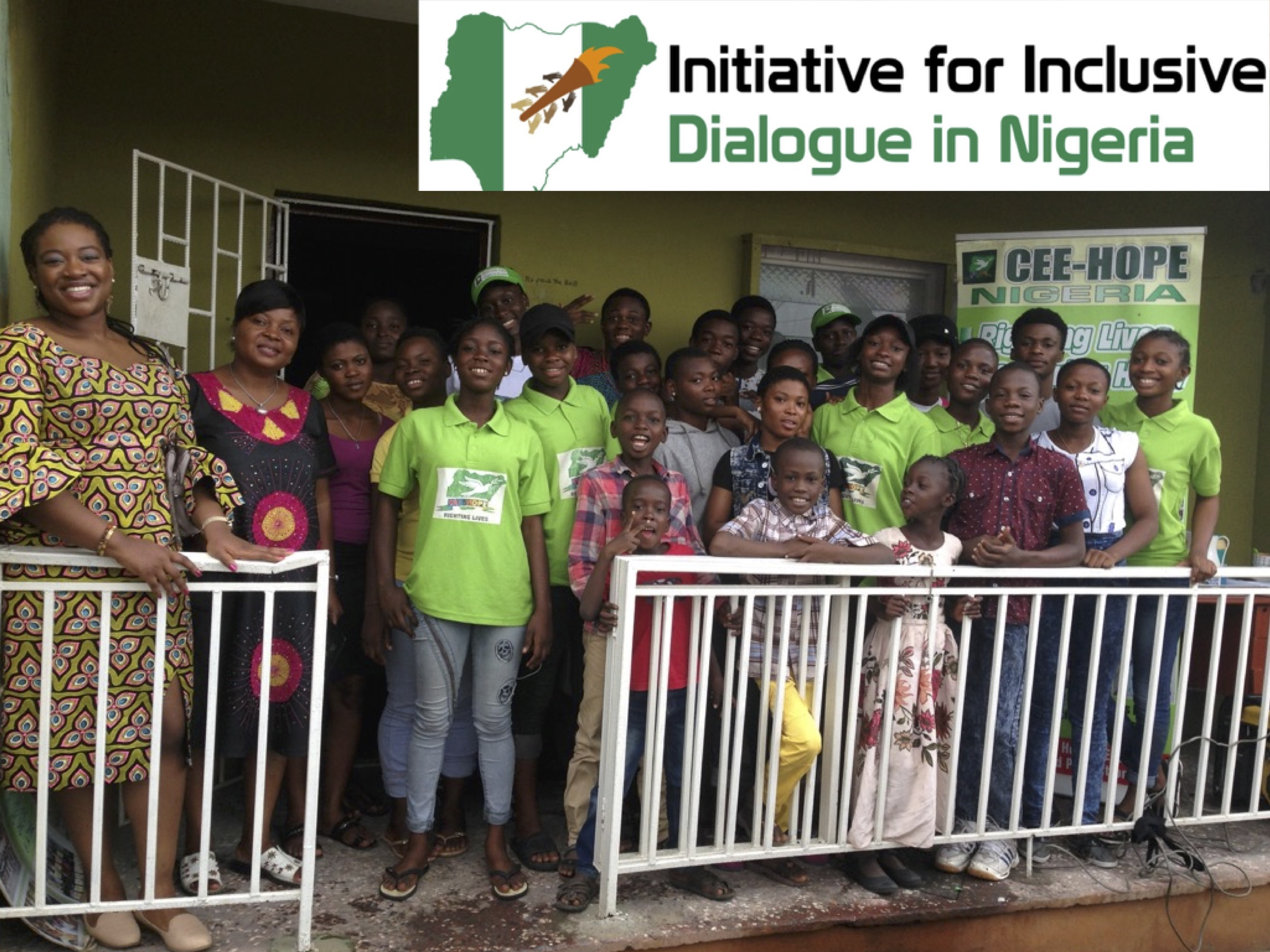 From right - IIDN President, Chiamaka Mogo, CEE-Hope Founder, Betty Abah, with children and youths in attendance from Makoko, Lagos State.