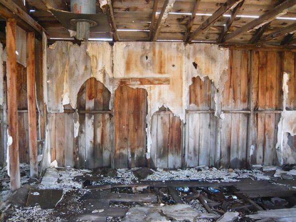 Barn interior 01