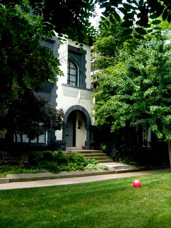 house in Old Louisville, Belgravia court
