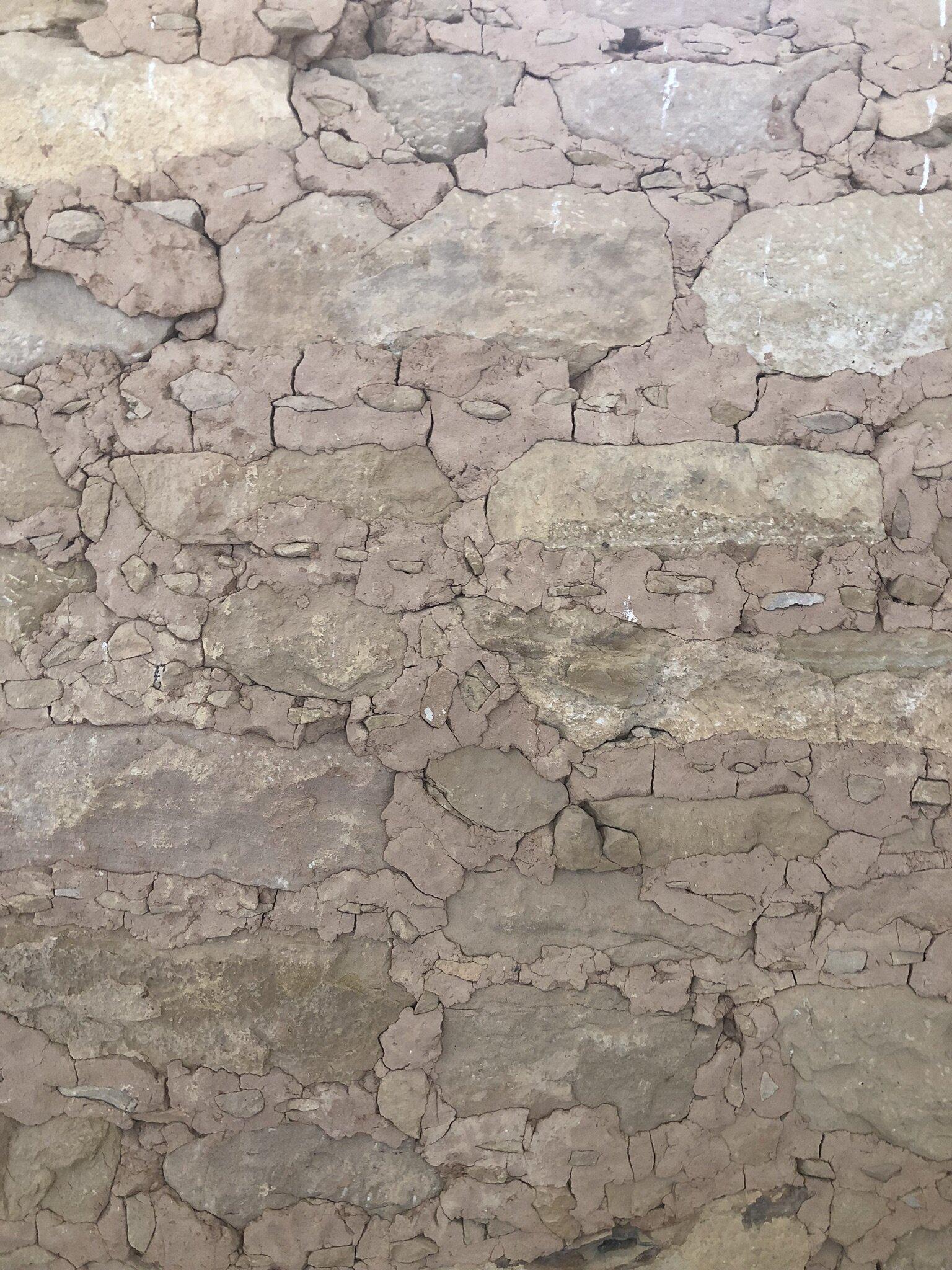 Cliff Palace masonry with chinking stones
