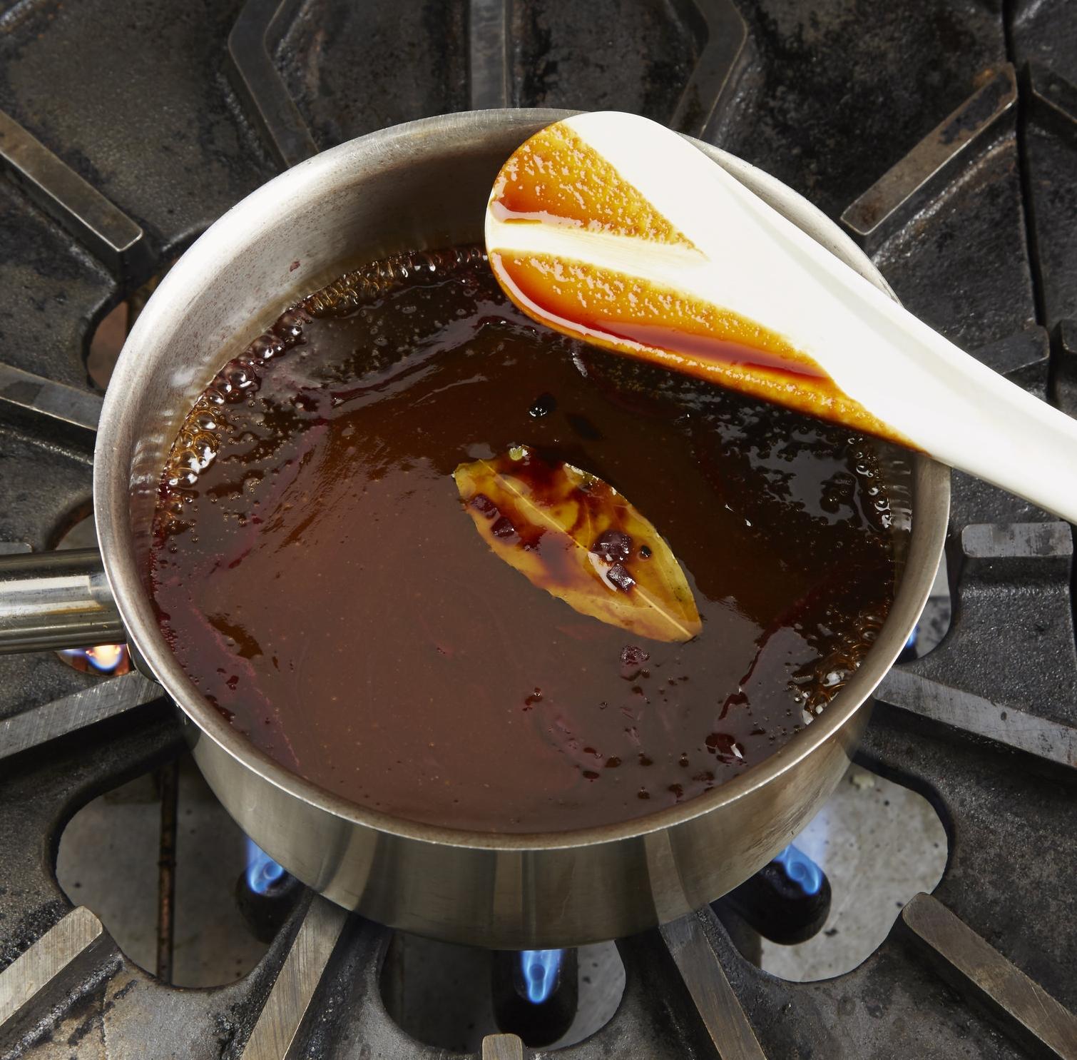 Preparing Classic French Sauces -
