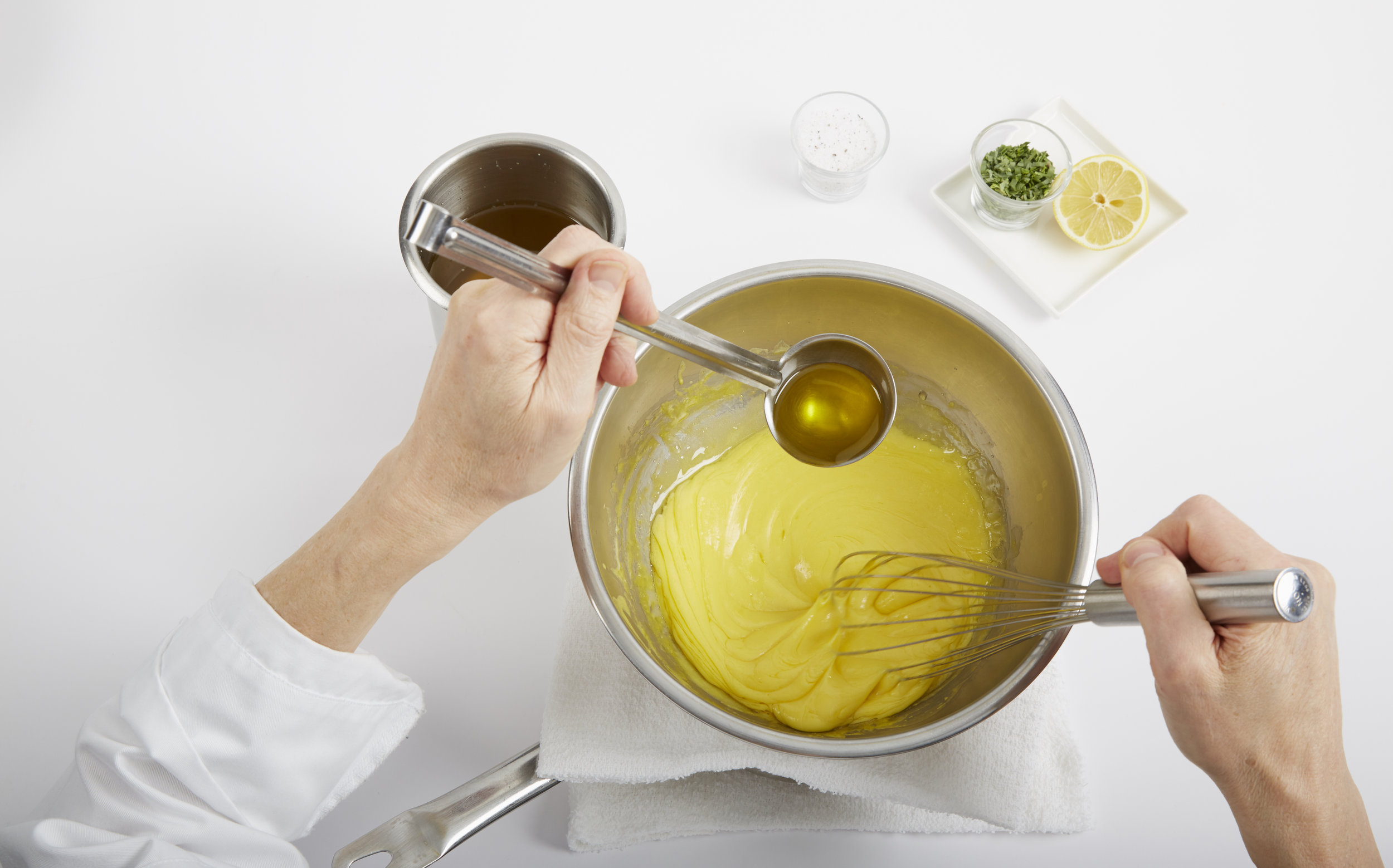 Hollandaise and Béarnaise Sauce - Recipes and Techniques