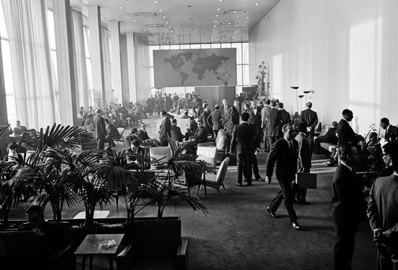 The Delegates Lounge in use in 1964. (Photo: UN Photo)