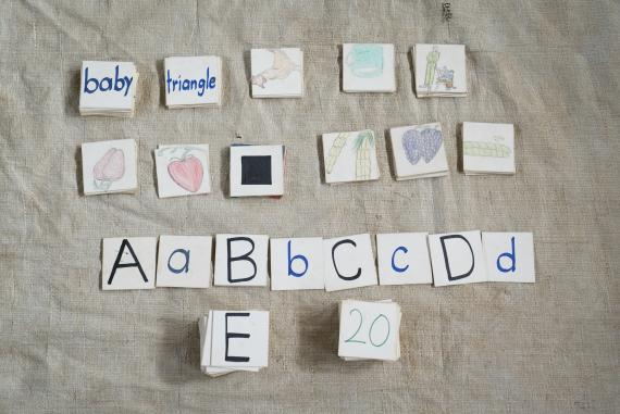 A homemade memory game trains a child's brain to observe and concentrate, as well as recognize similarities and differences. Children also learn about the objects on the cards.