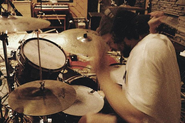 @b0neshaker tracking drums at @appleheadrecord. Love the sound of this room, can't wait for everyone to hear what we've been up to. #throwingsnakes #boneshakerrecords #appleheadrecording #woodstockny #kingstonny