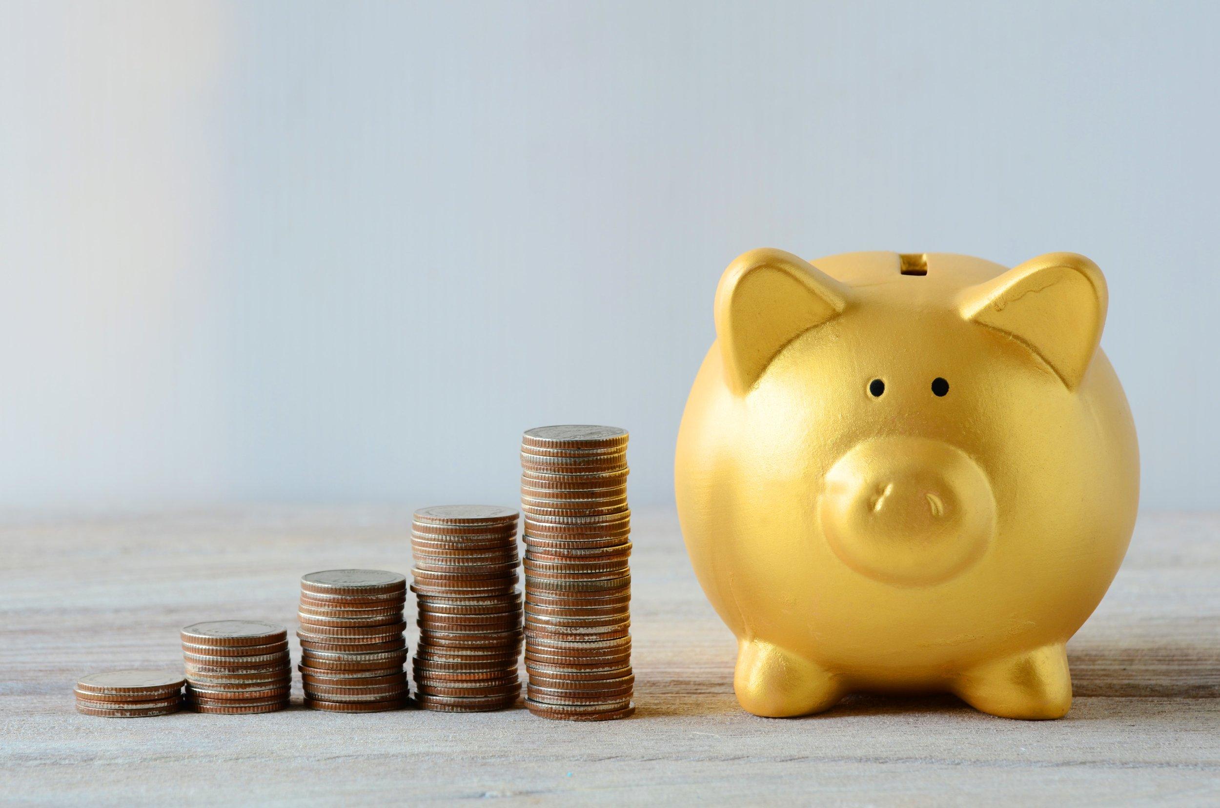Gold piggy_build wealth-min.jpg
