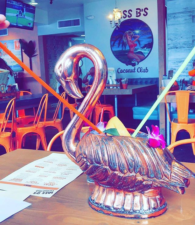 Dreaming about this flamingo tiki drink to get me through this Monday!🍹 #missbcoconutclub #captainandcraft