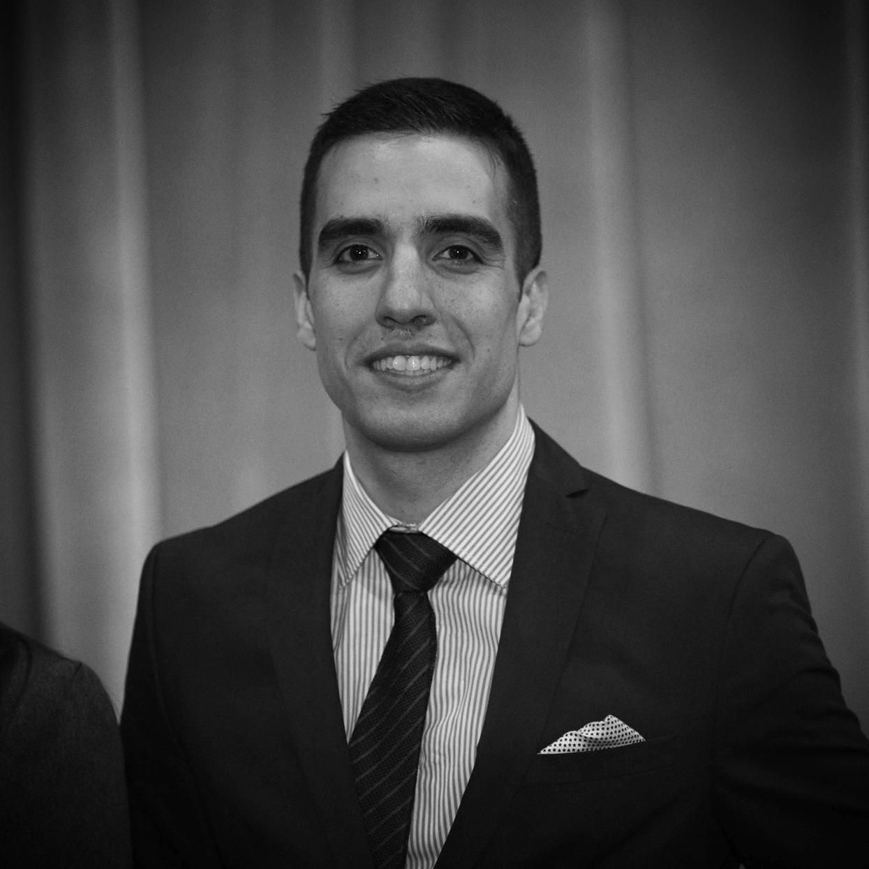 Omid Sadeghi, B.Eng., MBA - EXECUTIVE DIRECTORomid@theblockchainhub.com