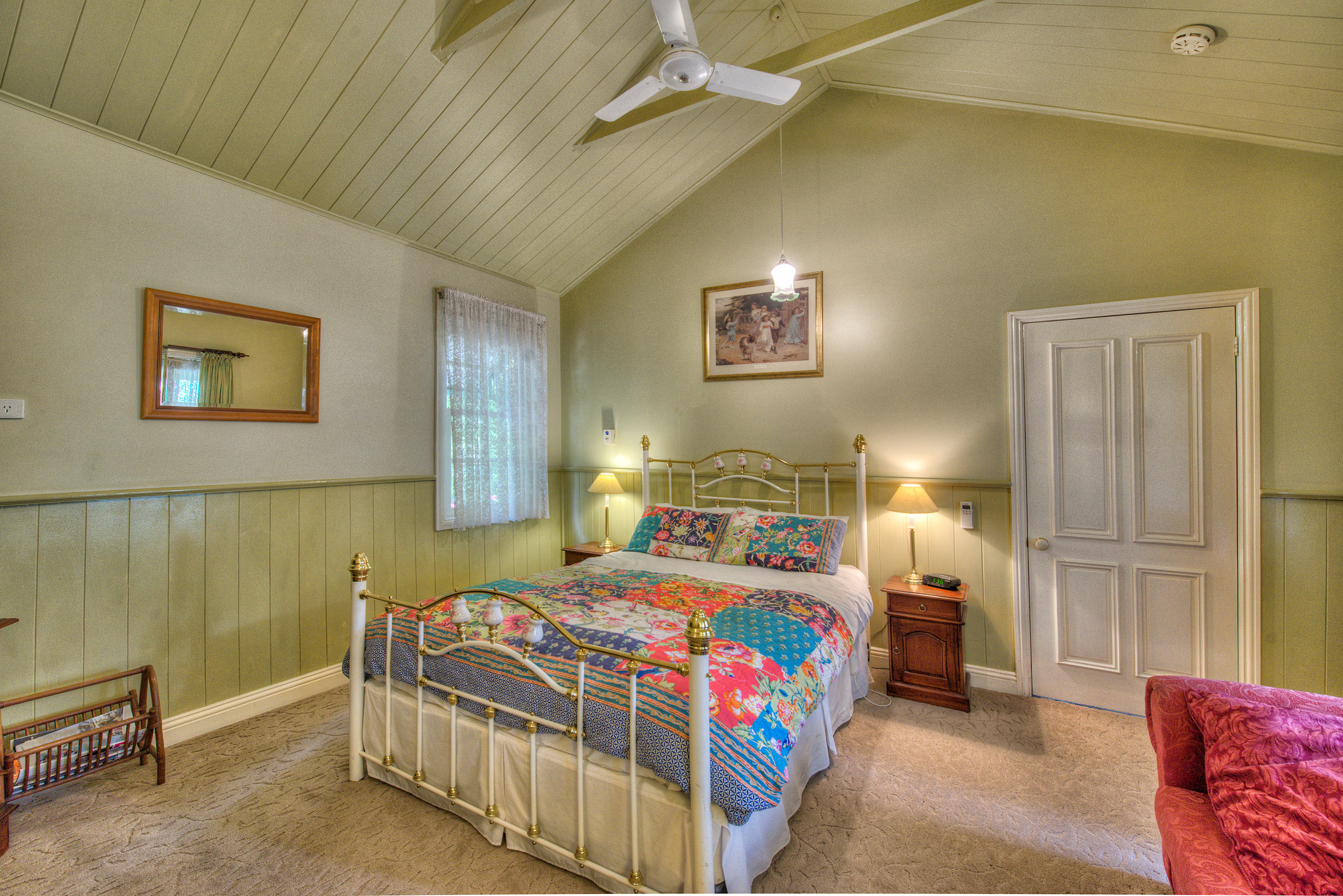 Robins-Nest-Bedroom-2.jpg