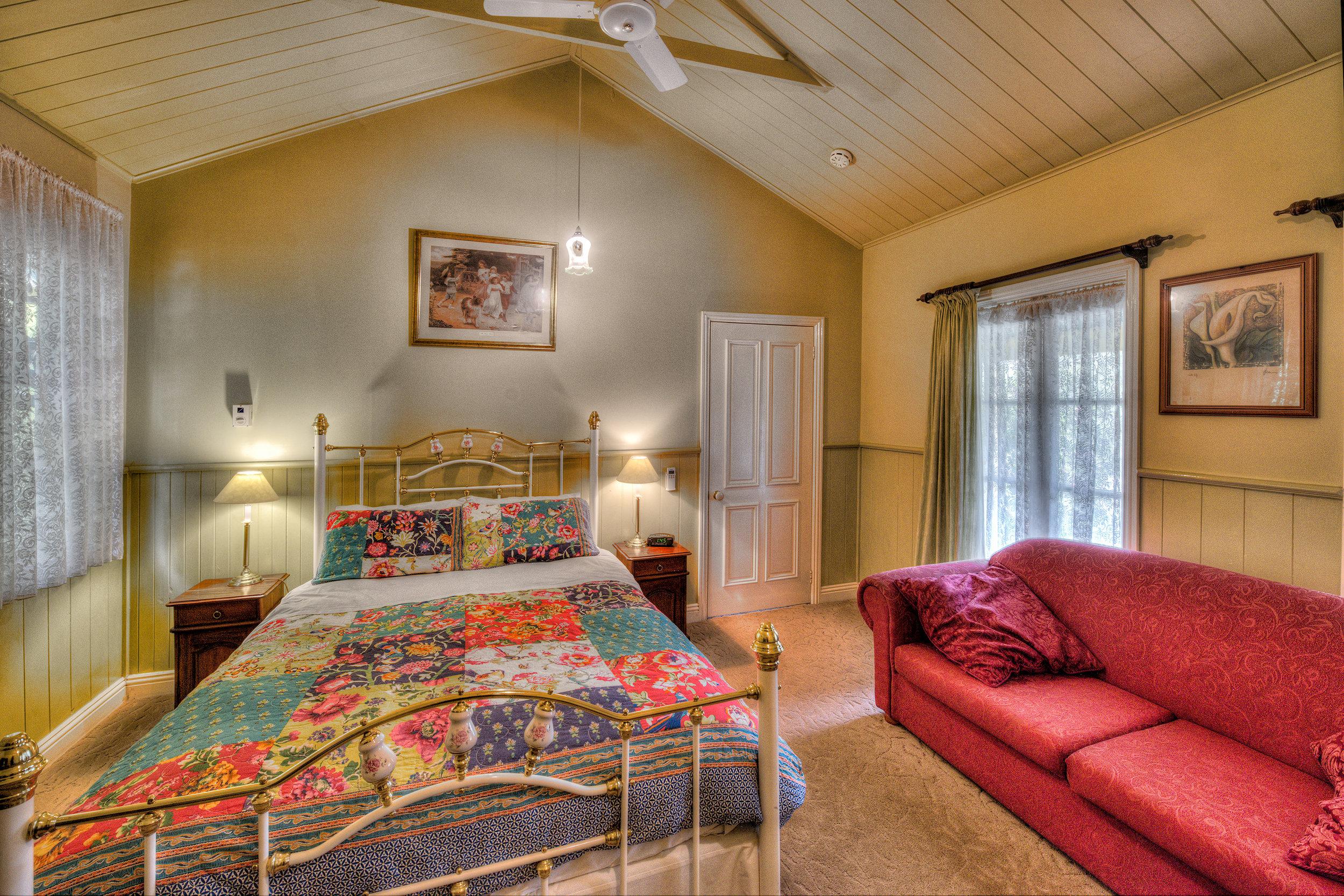 Robins-Nest-Bedroom 1.jpg