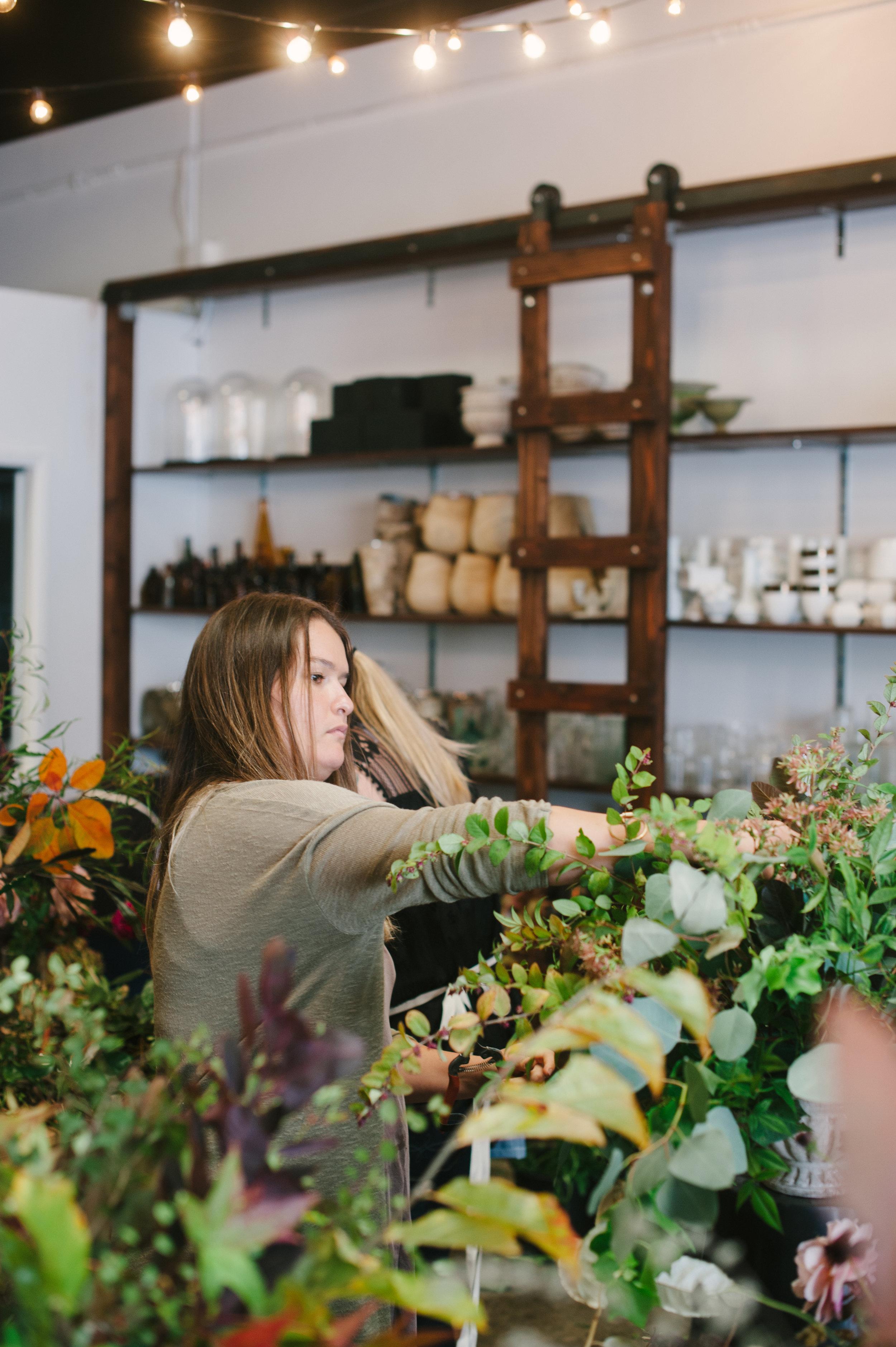 siren-floral-co-plenty-of-petals-romantik-floral-centerpiece-workshop-3.jpg