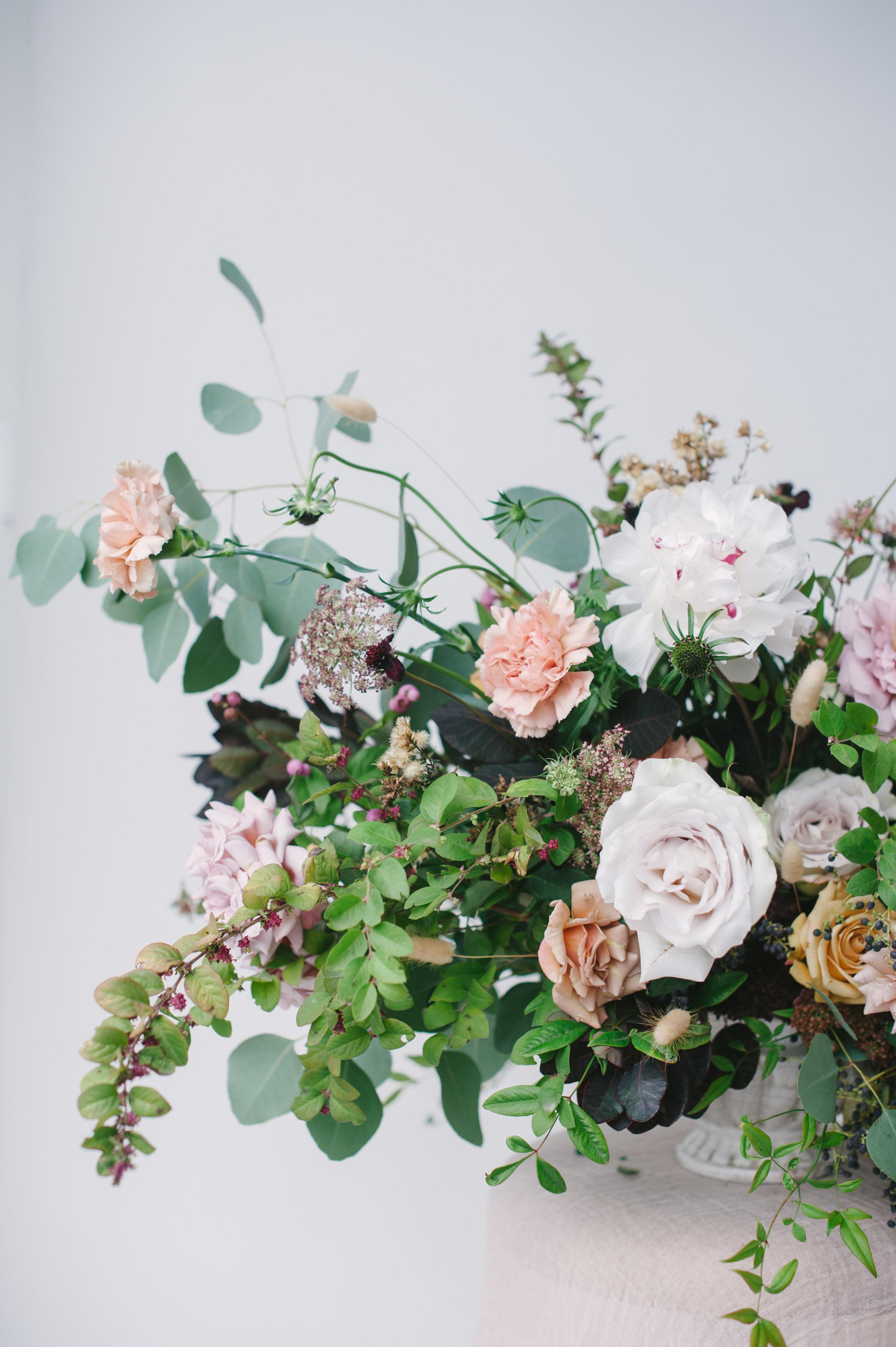 siren-floral-co-plenty-of-petals-romantik-floral-centerpiece-workshop-5.jpg