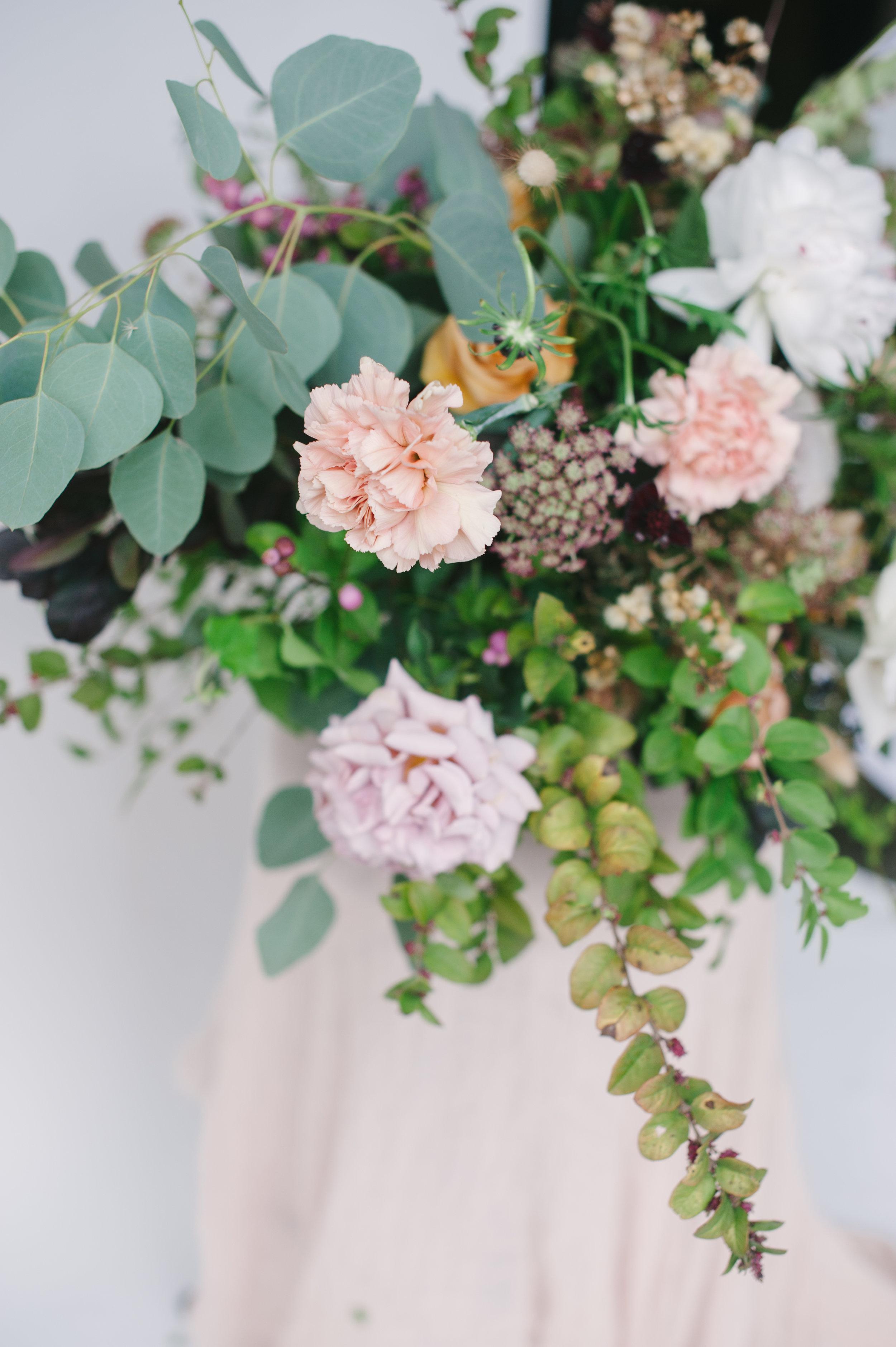 siren-floral-co-plenty-of-petals-romantik-floral-centerpiece-workshop-6.jpg