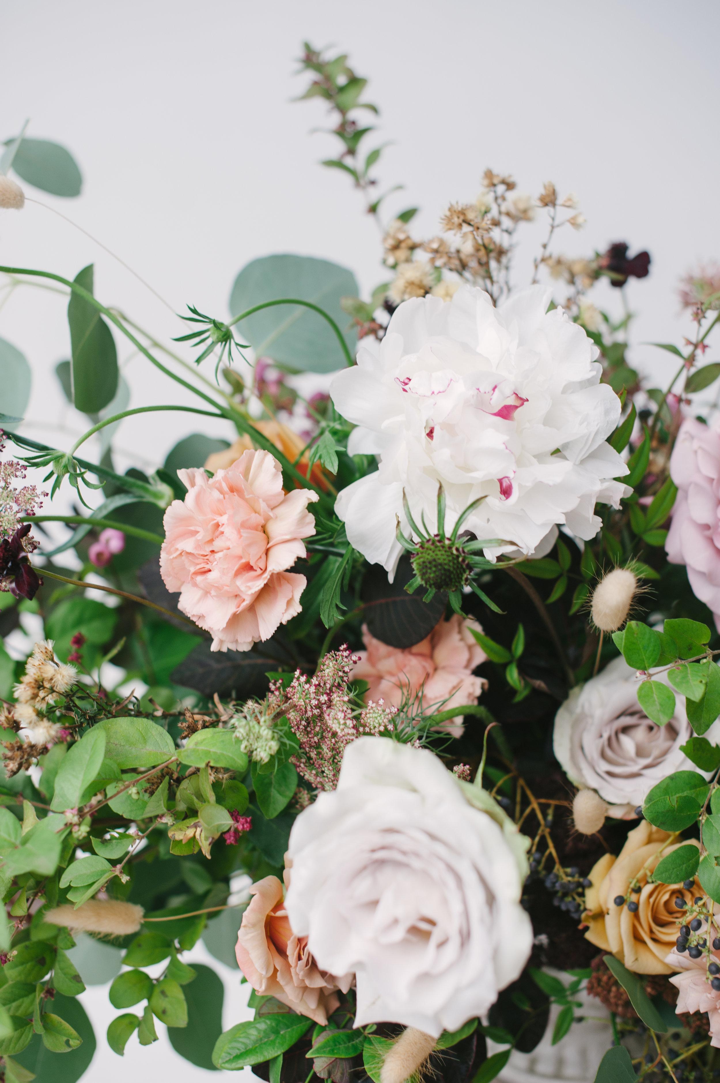 siren-floral-co-plenty-of-petals-romantik-floral-centerpiece-workshop-8.jpg